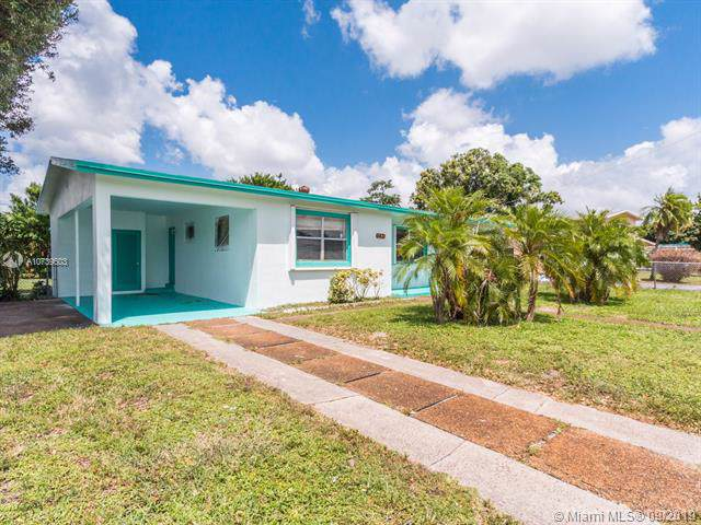 3471 NW 1st St, Lauderhill, FL 33311 (MLS #A10739603) :: Castelli Real Estate Services