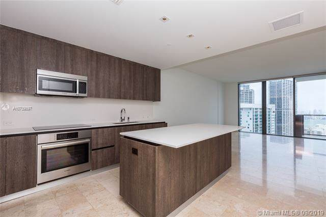 68 SE 6th St #3605, Miami, FL 33131 (MLS #A10739897) :: Ray De Leon with One Sotheby's International Realty