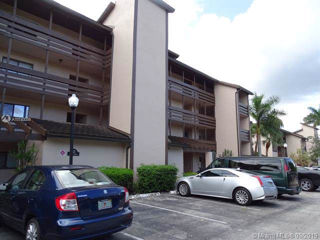121 SW 96th Ter #404, Plantation, FL 33324 (MLS #A10740089) :: United Realty Group