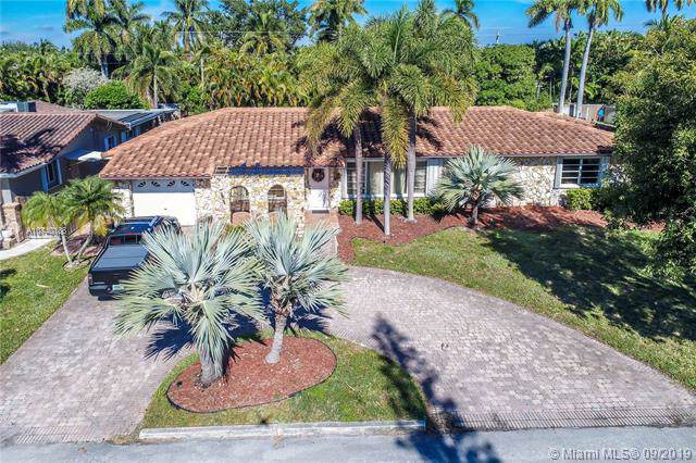 1141 Adams St, Hollywood, FL 33019 (MLS #A10740186) :: The Kurz Team