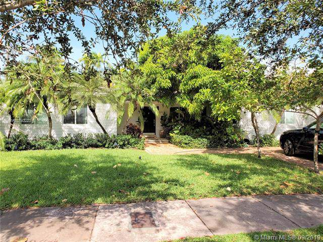 524 Woodcrest Rd, Key Biscayne, FL 33149 (MLS #A10740223) :: The Maria Murdock Group