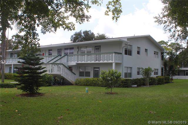 257 Oakridge P #257, Deerfield Beach, FL 33442 (MLS #A10740426) :: The Kurz Team
