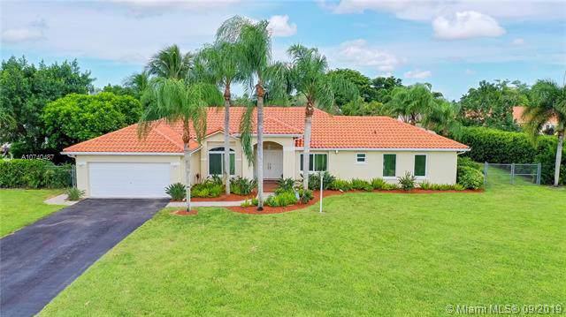 1643 NW 17th Ave, Homestead, FL 33030 (MLS #A10740487) :: The Kurz Team