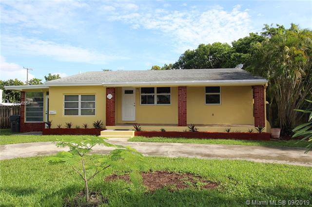 1633 Arthur St, Hollywood, FL 33020 (MLS #A10740554) :: RE/MAX Presidential Real Estate Group