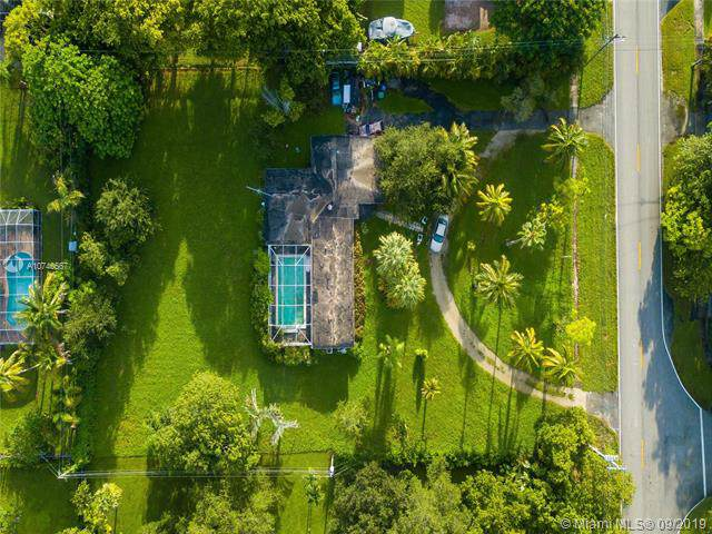 7425 SW 136th St, Pinecrest, FL 33156 (MLS #A10740567) :: Grove Properties