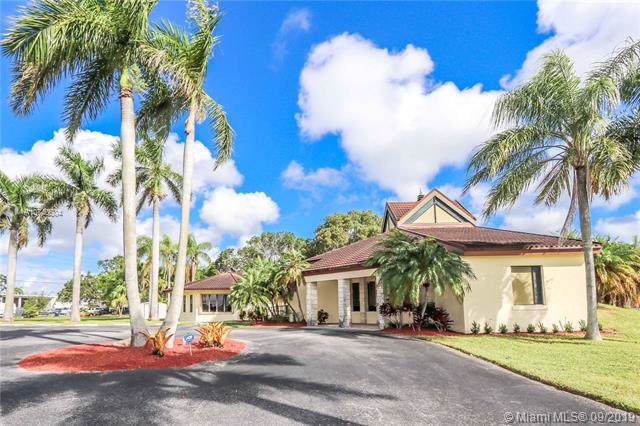 367 SE 2nd Ave, Homestead, FL 33030 (MLS #A10740604) :: The Jack Coden Group