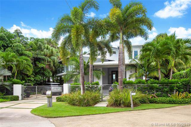 750 S Mashta Dr, Key Biscayne, FL 33149 (MLS #A10740657) :: United Realty Group