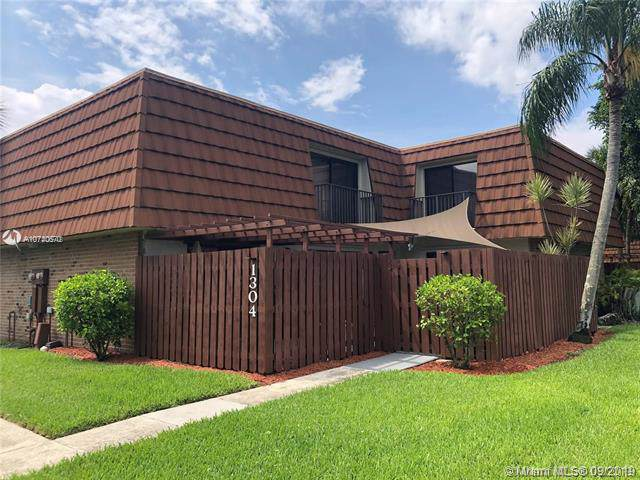 1304 SW 118th Ter, Davie, FL 33325 (#A10740670) :: Real Estate Authority