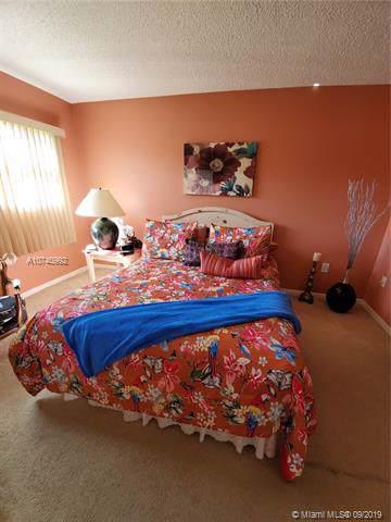 700 SW 137 305H, Pembroke Pines, FL 34027 (MLS #A10740992) :: Patty Accorto Team