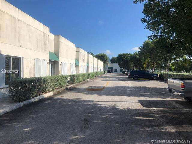 17304 Walker Ave #107, Miami, FL 33157 (MLS #A10740996) :: Grove Properties