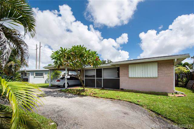2331 N 68th Ave, Hollywood, FL 33024 (#A10741051) :: Real Estate Authority