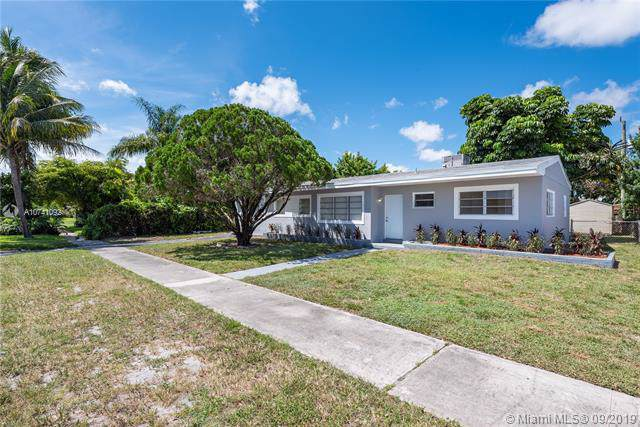 1751 NW 186th St, Miami Gardens, FL 33056 (MLS #A10741092) :: The Paiz Group