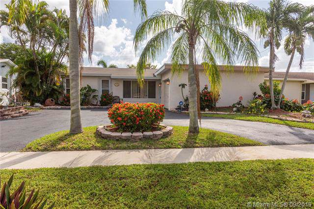 4210 NW 113th Ter, Sunrise, FL 33323 (MLS #A10741302) :: Ray De Leon with One Sotheby's International Realty