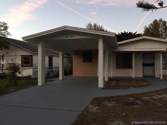 1012 Avenue G, Fort Pierce, FL 34950 (MLS #A10741315) :: Castelli Real Estate Services