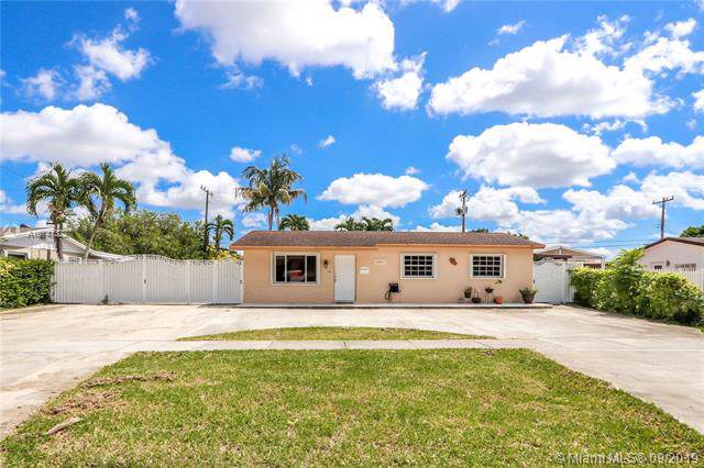 3621 SW 122nd Ave, Miami, FL 33175 (MLS #A10741322) :: Castelli Real Estate Services