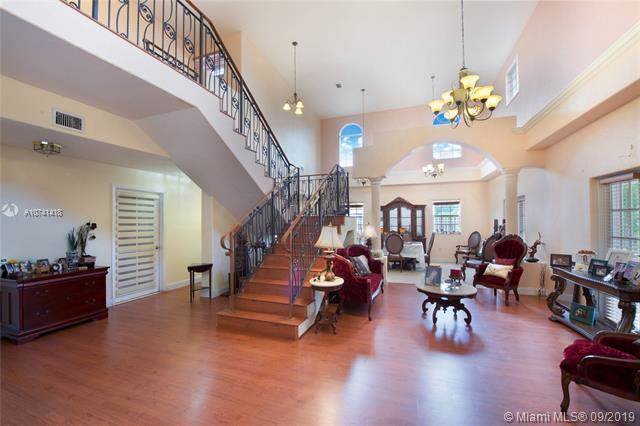 8921 SW 44th St, Miami, FL 33165 (MLS #A10741418) :: RE/MAX Presidential Real Estate Group