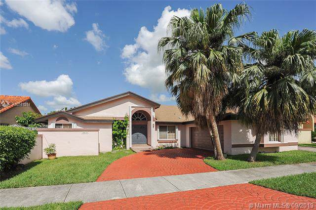 10820 SW 145 PL, Miami, FL 33186 (MLS #A10741514) :: Prestige Realty Group