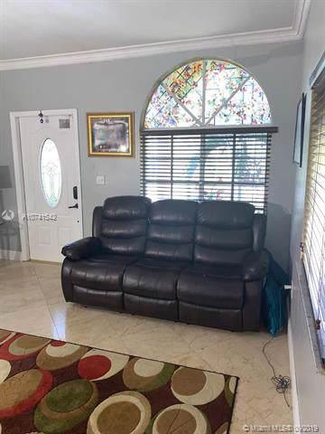 Miami, FL 33186 :: Prestige Realty Group