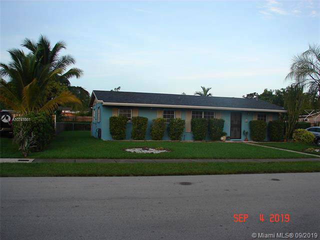 15390 SW 101 Ave., Miami, FL 33157 (MLS #A10741561) :: The Riley Smith Group