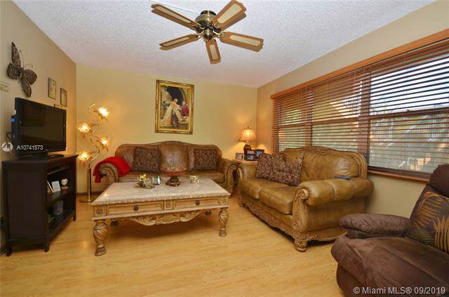750 SW 133rd Ter 312C, Pembroke Pines, FL 33027 (#A10741573) :: Real Estate Authority