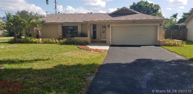 9950 NW 24th St, Coral Springs, FL 33065 (#A10741642) :: Real Estate Authority