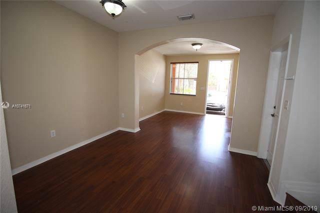 10846 SW 243rd Ln, Homestead, FL 33032 (MLS #A10741671) :: Grove Properties