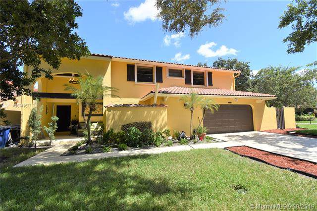 2925 Cardinal Dr, Cooper City, FL 33026 (MLS #A10741677) :: The Teri Arbogast Team at Keller Williams Partners SW