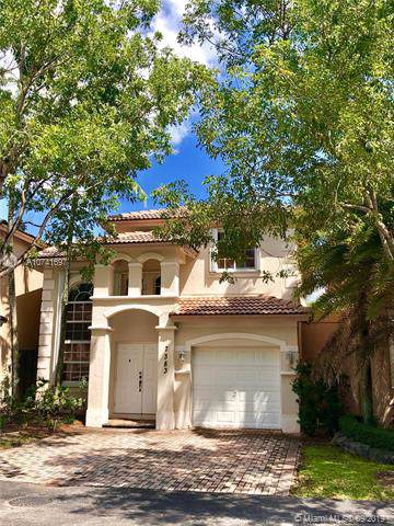 7383 NW 113th Ct, Doral, FL 33178 (MLS #A10741697) :: The Paiz Group