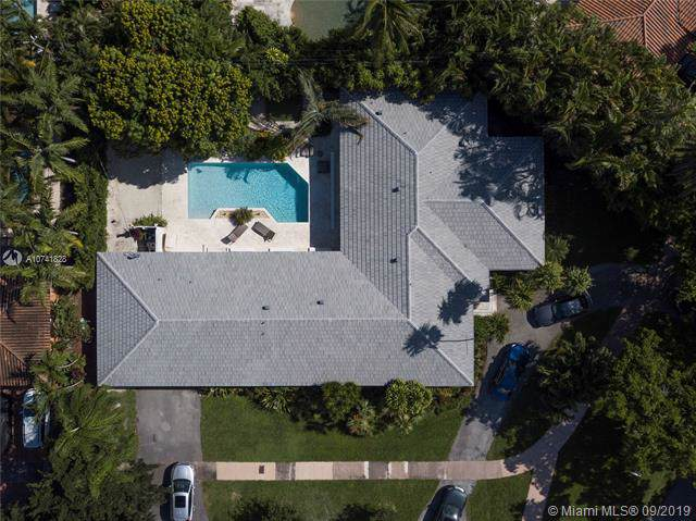 5301 Riviera Dr, Coral Gables, FL 33146 (MLS #A10741828) :: The Maria Murdock Group
