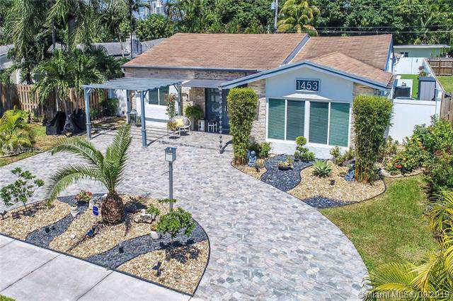 1453 Adams St, Hollywood, FL 33020 (MLS #A10741836) :: The Kurz Team