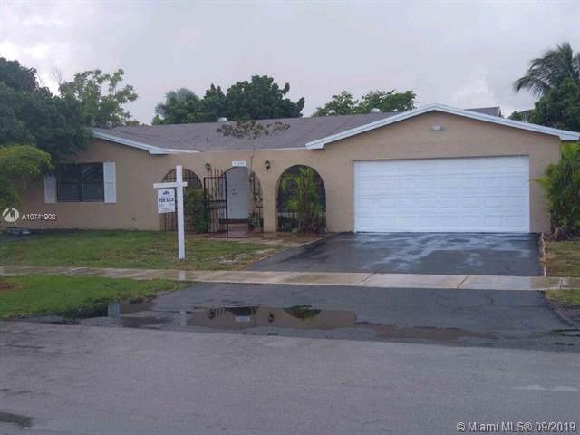 17330 SW 108th Ave, Miami, FL 33157 (MLS #A10741900) :: Grove Properties