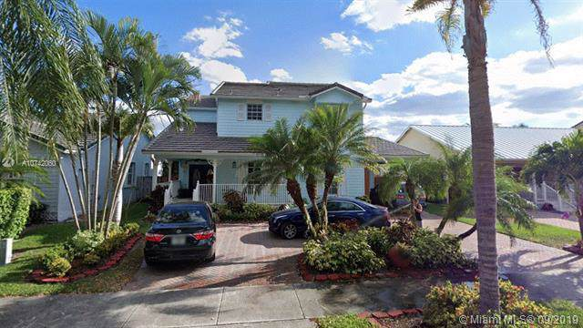 15982 SW 96th Ter, Miami, FL 33196 (MLS #A10742060) :: Ray De Leon with One Sotheby's International Realty