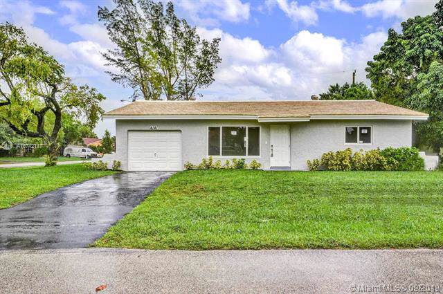 4141 NW 79th Ave, Coral Springs, FL 33065 (MLS #A10742147) :: United Realty Group