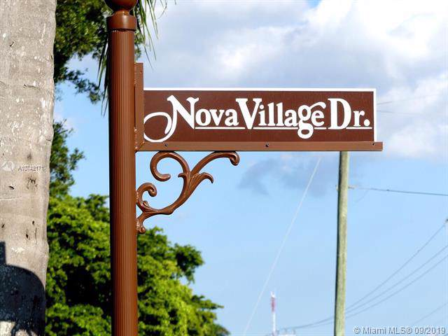 2100 Nova Village Dr, Davie, FL 33317 (MLS #A10742171) :: Ray De Leon with One Sotheby's International Realty
