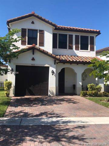 9032 SW 34 COURT, Miramar, FL 33025 (MLS #A10742194) :: The Riley Smith Group