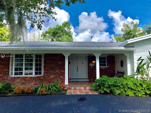 13920 SW 73rd Ave, Palmetto Bay, FL 33158 (MLS #A10742253) :: The Riley Smith Group