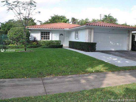 1551 Ancona Ave, Coral Gables, FL 33146 (MLS #A10742309) :: Laurie Finkelstein Reader Team