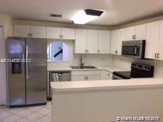 10151 SW 154th Cir Ct 102-4, Miami, FL 33196 (MLS #A10742322) :: Ray De Leon with One Sotheby's International Realty