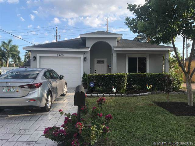 2900 NW 6th Ct, Fort Lauderdale, FL 33311 (#A10742422) :: Dalton Wade