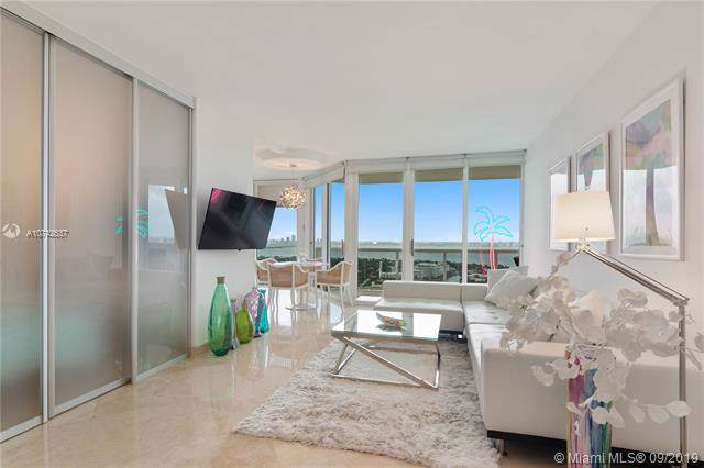 4775 Collins Ave #3706, Miami Beach, FL 33140 (MLS #A10742537) :: The Jack Coden Group
