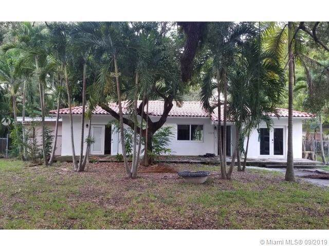 1110 NE 119th St, Biscayne Park, FL 33161 (MLS #A10742578) :: The Jack Coden Group