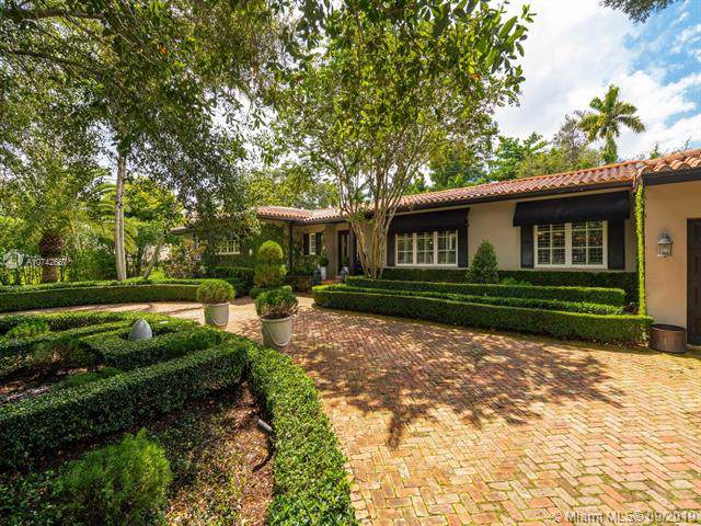 612 Catalonia Ave, Coral Gables, FL 33134 (MLS #A10742657) :: The Paiz Group