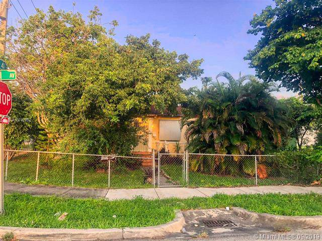 4031 NW 1st Ave, Miami, FL 33127 (MLS #A10742762) :: United Realty Group