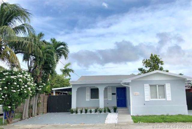3281 NW 17th St, Miami, FL 33125 (MLS #A10742834) :: The Maria Murdock Group