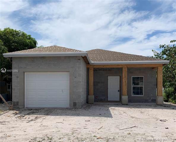 124 NE 11th Ave, Boynton Beach, FL 33435 (MLS #A10742892) :: The Riley Smith Group