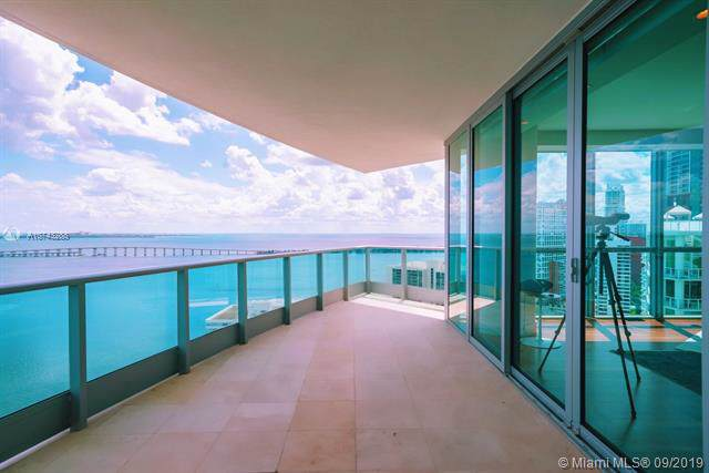 1331 Brickell Bay Dr #2811, Miami, FL 33131 (MLS #A10743288) :: The Teri Arbogast Team at Keller Williams Partners SW