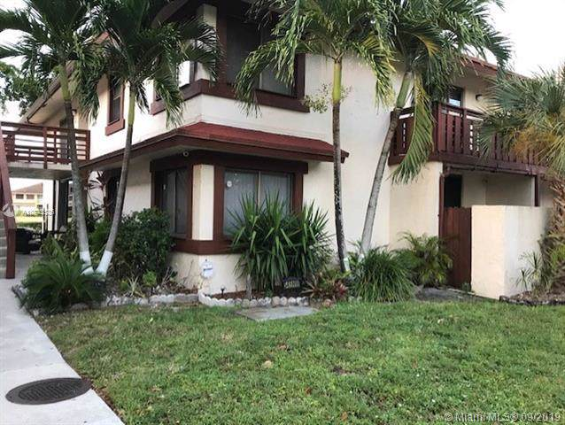 545 NW 210th St 101-32, Miami Gardens, FL 33169 (MLS #A10743536) :: The Kurz Team