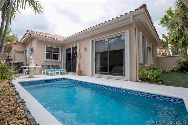 1586 Breakwater Ter, Hollywood, FL 33019 (MLS #A10743596) :: Miami Villa Group