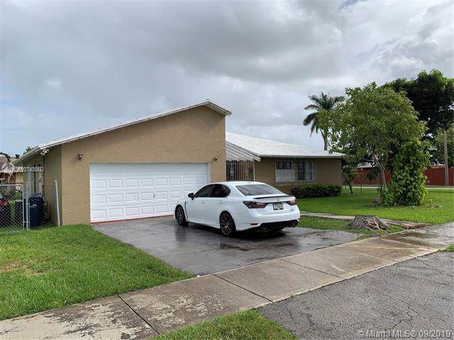 10501 SW 166th St, Miami, FL 33157 (MLS #A10743860) :: The Riley Smith Group