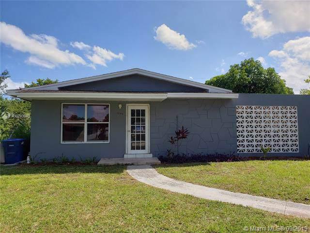 1240 NW 179th St, Miami Gardens, FL 33169 (MLS #A10743943) :: Grove Properties